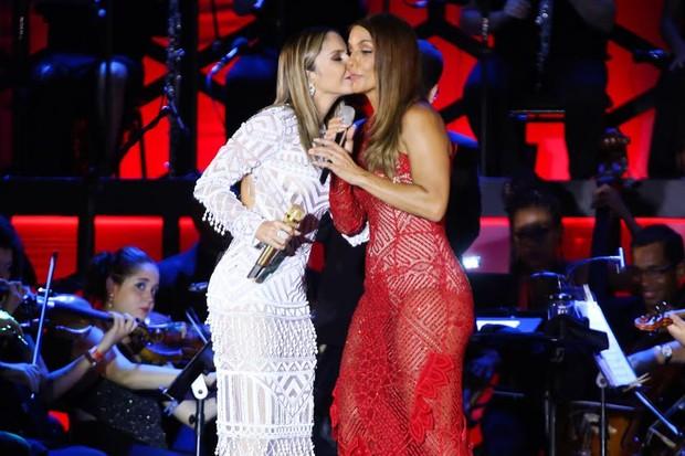 Ivete Sangalo e Claudia Leitte em show na Bahia