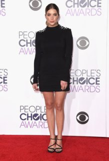 LOS ANGELES, CA - JANUARY 06: Actress Ashley Benson attends the People's Choice Awards 2016 at Microsoft Theater on January 6, 2016 in Los Angeles, California. (Photo by Jason Merritt/Getty Images)