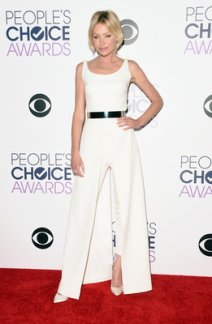 LOS ANGELES, CA - JANUARY 06: Actress Portia de Rossi poses in the press room during the People's Choice Awards 2016 at Microsoft Theater on January 6, 2016 in Los Angeles, California. (Photo by Jason Merritt/Getty Images)