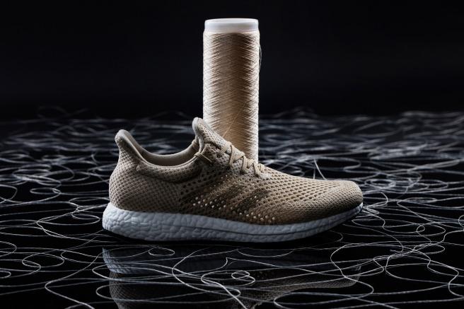 Foto Reprodução. O tênis feito de seda de aranha sintética ... a38f774f27a29