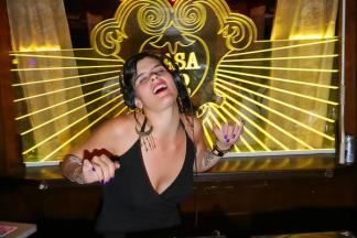 A DJ Luisa Viscardi, uma das atrações da comemoração especial de sete anos (Divulgação)